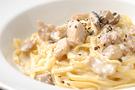 桃山町「けんか地鶏」とキノコのクリーム煮込みソース
