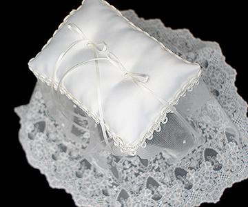 リングピロー〔レジーナ〕手作りキット|存在感のあるロングレースのリングピロー|結婚式演出の手作りアイテム専門店B.G.