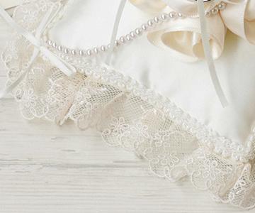 リングピロー〔ローズスクエア〕手作りキット|縁取りはチュールレースのフリル|結婚式演出の手作りアイテム専門店B.G.