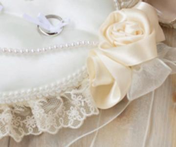 リングピロー〔ローズハート〕手作りキット サテンのローズとチュールレース、パールビーズで装飾 結婚式演出の手作りアイテム専門店B.G.