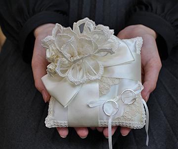 リングピロー〔ブーケリボン〕完成品|シンプルで華やかなデザイン|結婚式演出の手作りアイテム専門店B.G.