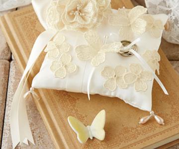 リングピロー〔ちょうちょう〕手作りキット|ドロップ型ビーズとリボンの飾り|結婚式演出の手作りアイテム専門店B.G.