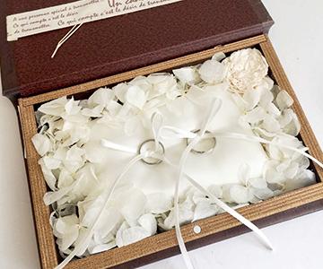 リングピロー〔クラシカルブック〕完成品|どこか懐かしくて気品の漂うリングピロー|結婚式演出の手作りアイテム専門店B.G.
