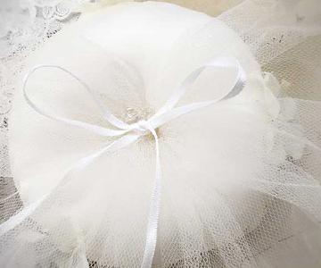 リングピロー〔小花ベール〕手作りキット|ピロー部分には、イタリア製のサテン生地を使用|結婚式演出の手作りアイテム専門店B.G.