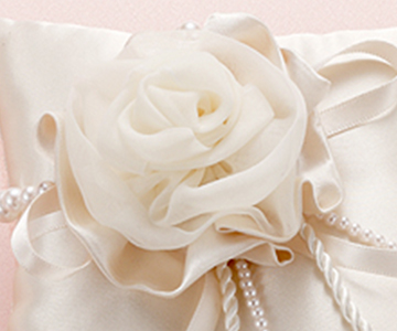リングピロー〔モダン・シャンパンローズ〕手作りキット|オーガンジーを使ったローズのモチーフ|結婚式演出の手作りアイテム専門店B.G.